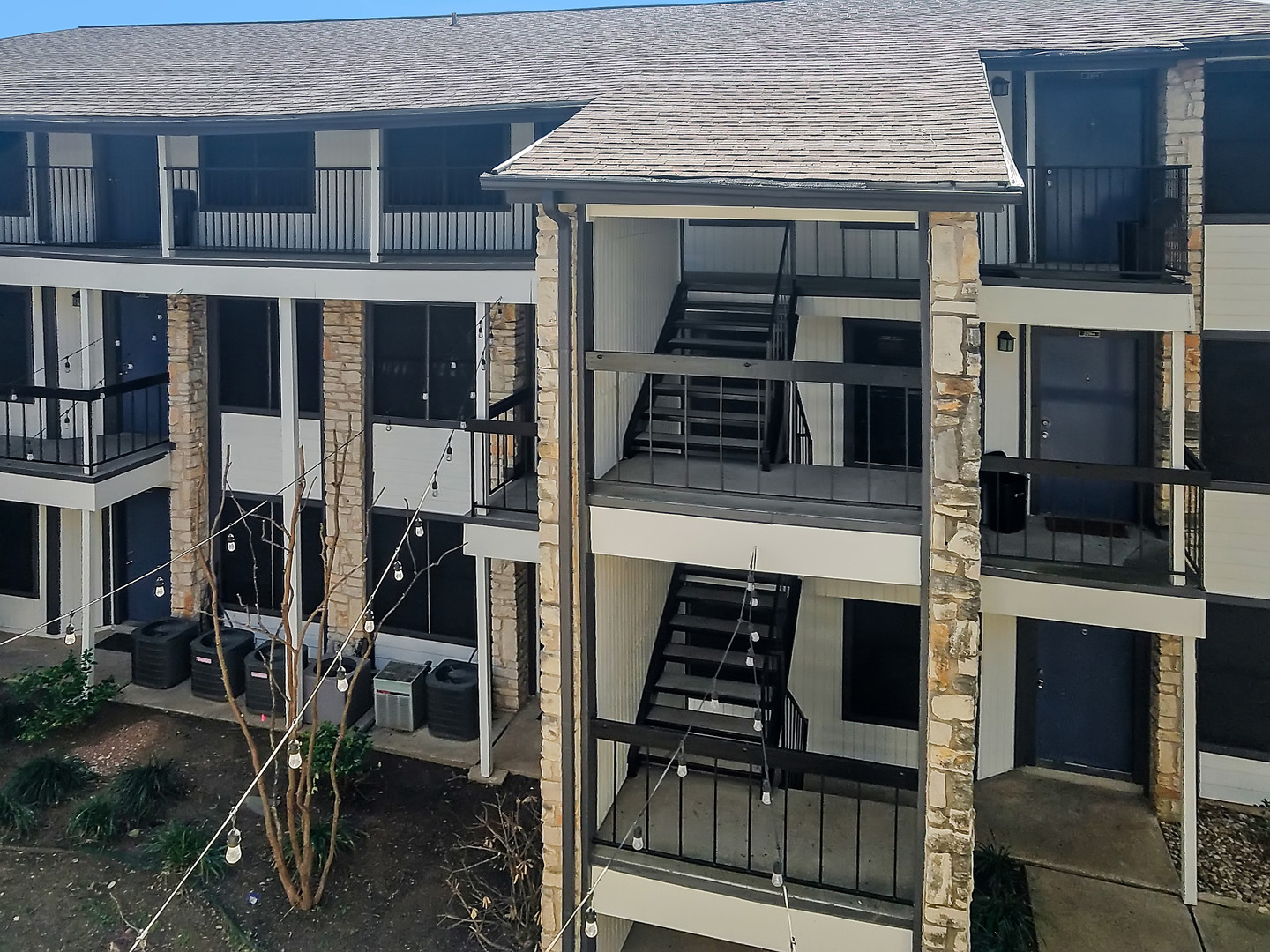 A great view showing this third story multifamily apartment installation.
