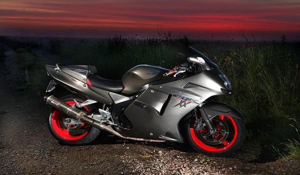 HONDA CBR1100XX SUPER BLACKBIRD.jpg