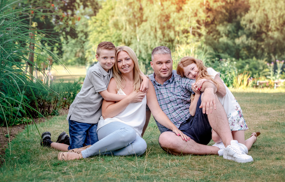 ESSEX PORTRAIT PHOTOGRAPHY STUDIO - NATURAL FAMILY PHOTOGRAPHY WICKFORD, LOCAL TO BRENTWOOD CHELMSFORD BILLERICAY