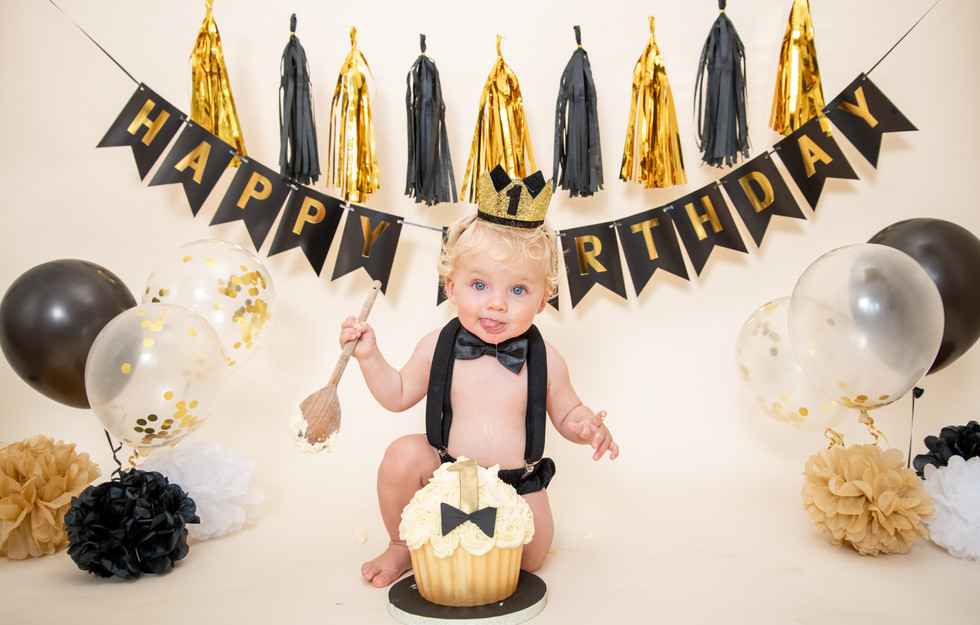 ESSEX PORTRAIT PHOTOGRAPHY STUDIO - CAKE SMASH PHOTOGRAPHY WICKFORD, LOCAL TO BRENTWOOD CHELMSFORD BILLERICAY