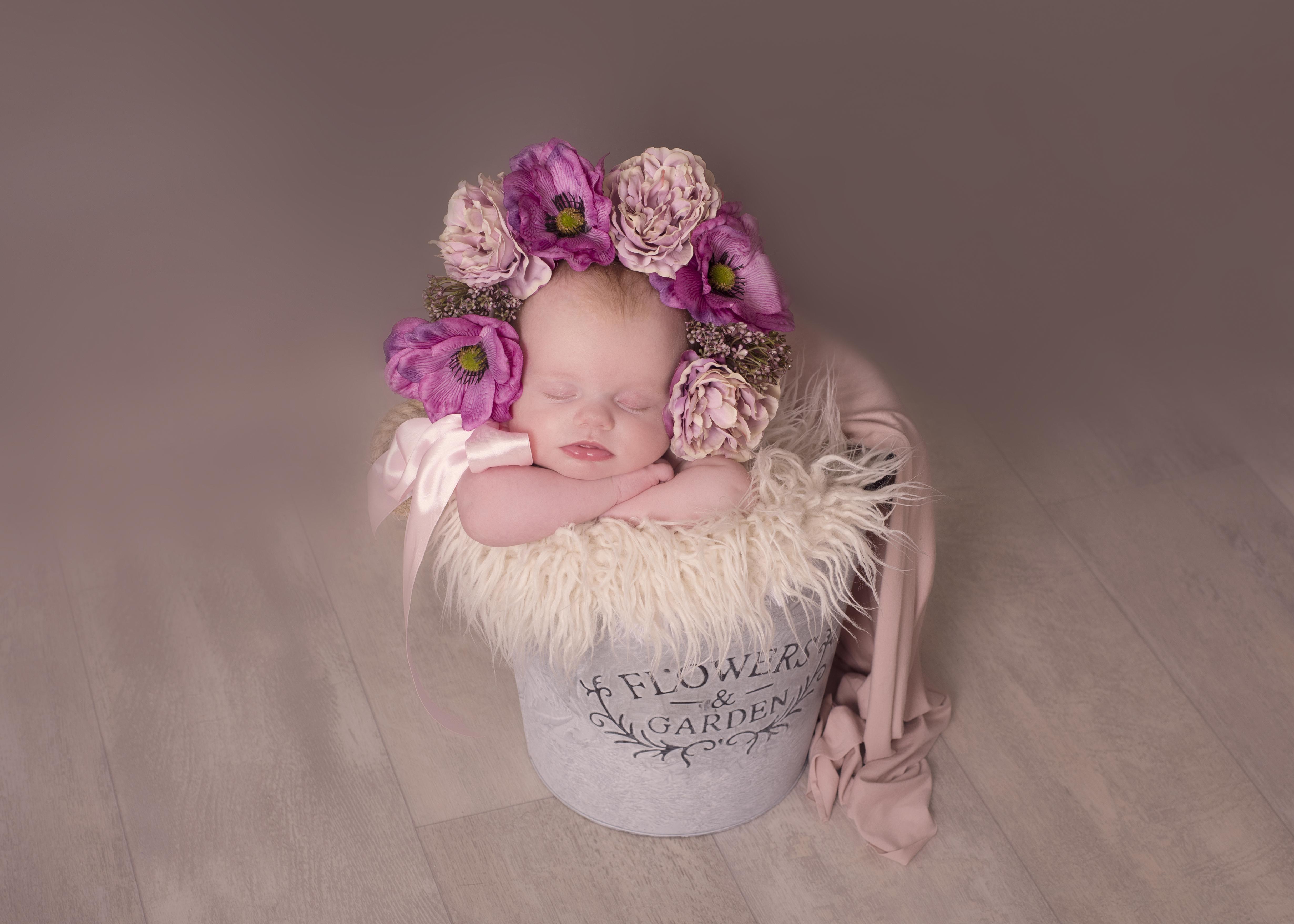 Newborn photography Flower bonnet UK