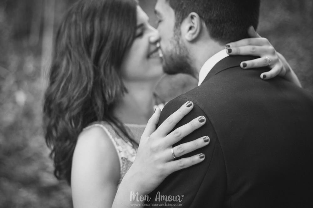 Novios, alianzas y sonrisas - Fotografía de bodas en Barcelona - Mon Amour wedding photography