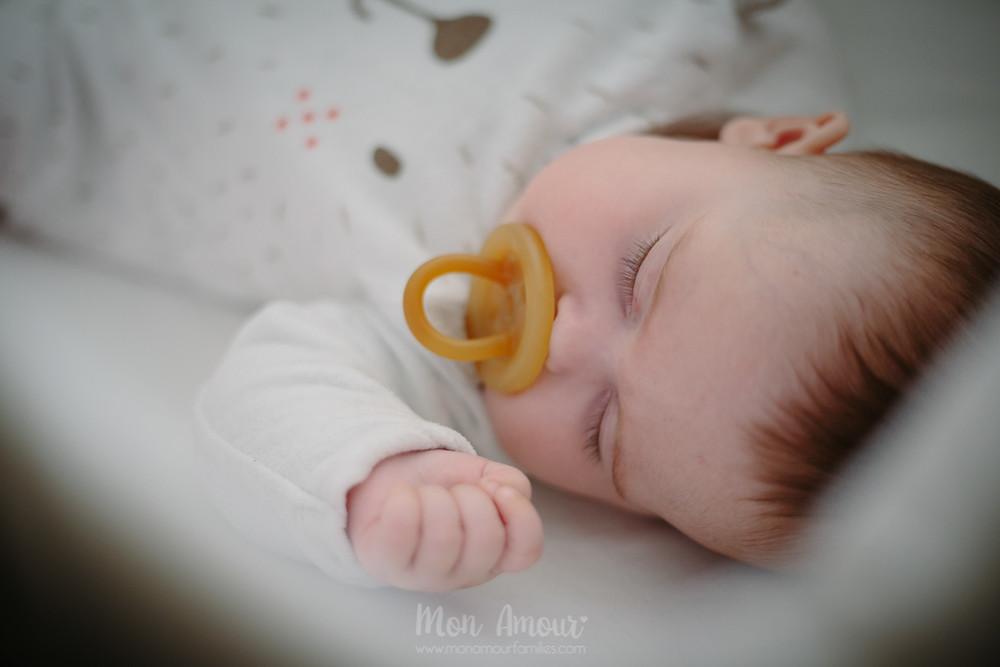 Reportaje bebé a domicilio, Fotografía natural de familias en Barcelona, Mon Amour Family Photography