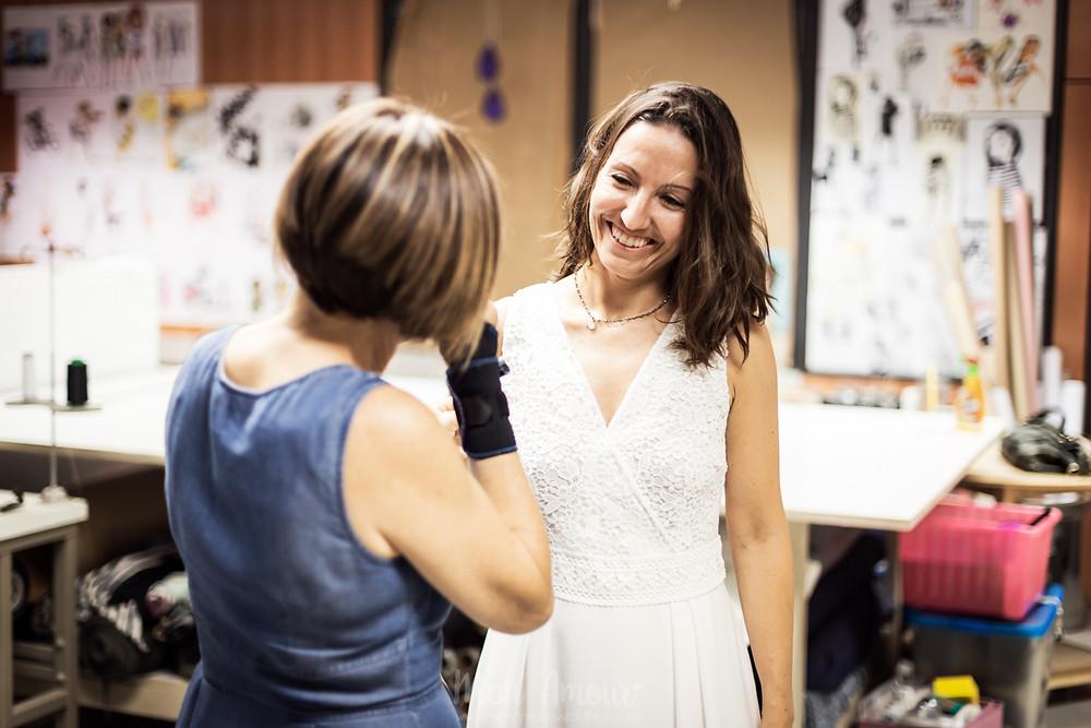 Bride's Look, reportaje prueba de vestido de novia hecho a medida, zapatos de Flor de Asoka, fotografía natural de bodas en Barcelona - Mon Amour Wedding Photograhy by Mònica Vidal