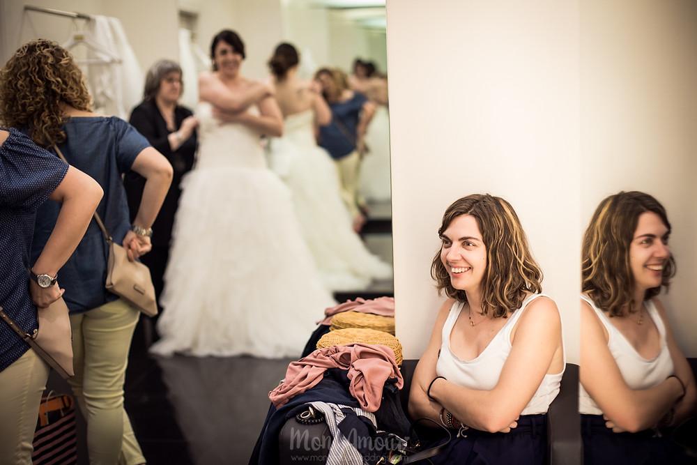 Bride's Look, reportaje prueba de vestido de novia en Aire Barcelona, tocado de Hip & Love, fotografía natural de bodas en Barcelona - Mon Amour Wedding Photography by Mònica Vidal
