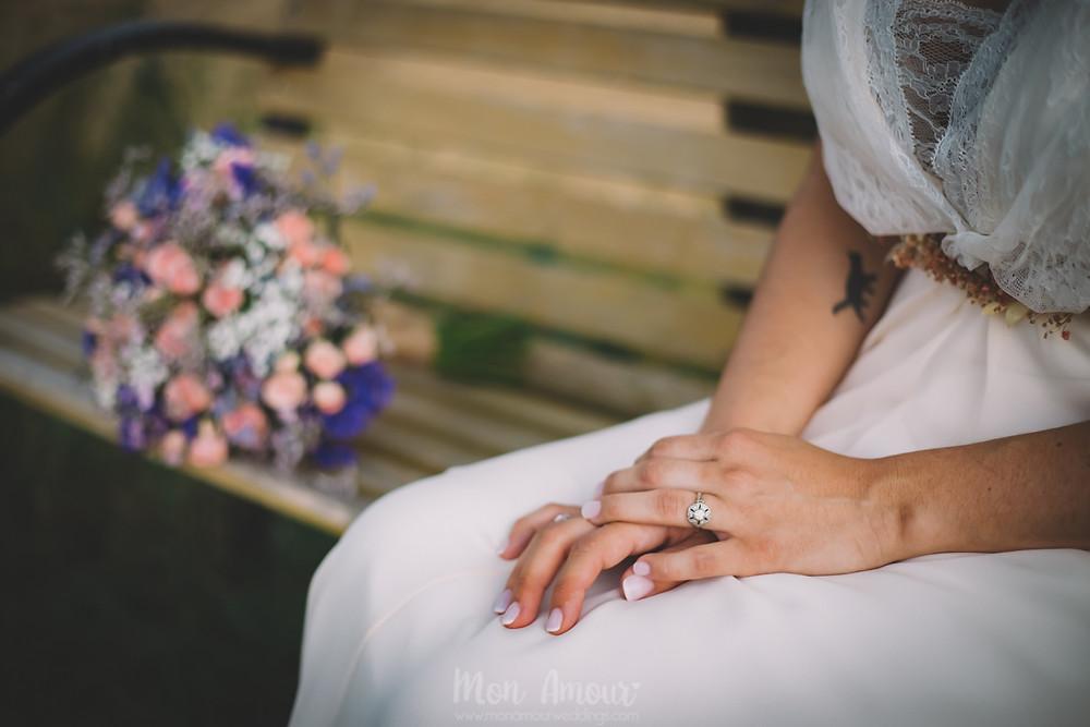 Boda de verano en Vinyes Grosses, vestido de novia por Jordi Anguera  - Fotografía de bodas natural en Barcelona - Mon Amour Wedding Photography