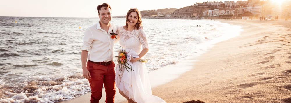 Boda internacional judía en la playa de Arenys de Mar en Btakora, junto a Spain4Weddings, fotografía natural de bodas en Barcelona - Mon Amour Wedding Photography by Mònica Vidal