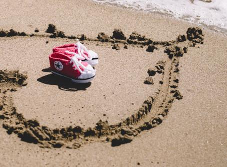 Sesión premamá ♥ Paseando con la familia por la playa