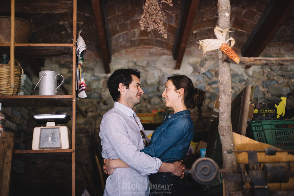 Preboda en la masia familiar, fotografía natural de bodas en Barcelona - Mon Amour Wedding Photography