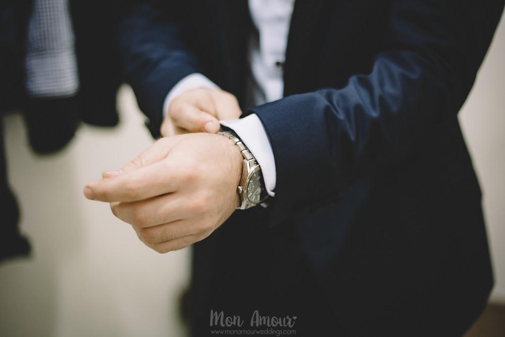 Groom's Look, reportaje prueba de traje de novio en Sarar, fotografía natural de bodas en Barcelona - Mon Amour Wedding Photography