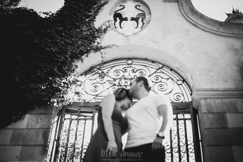 Preboda en Montjuic en verano, fotografía de bodas natural en Barcelona - Mon Amour Wedding Photography by Mònica Vidal