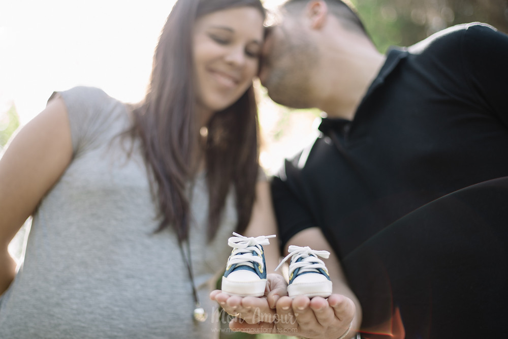 Sesión de fotos premamá, embarazo en Barcelona - fotografía natural de familias en Barcelona, Mon Amour Family Photography