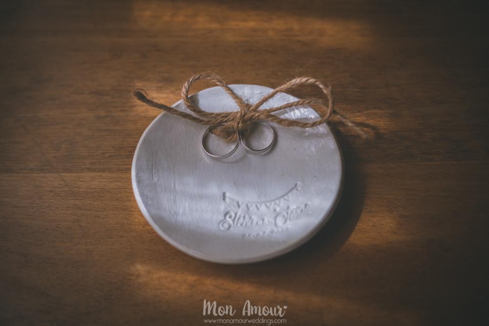 Alianzas en portaalianzas diy - Fotografía de bodas en Barcelona - Mon Amour wedding photography