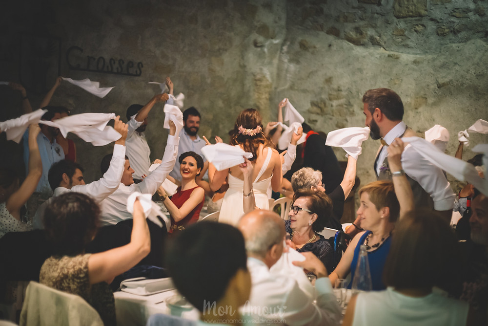Boda de verano en Vinyes Grosses  - Fotografía de bodas natural en Barcelona - Mon Amour Wedding Photography