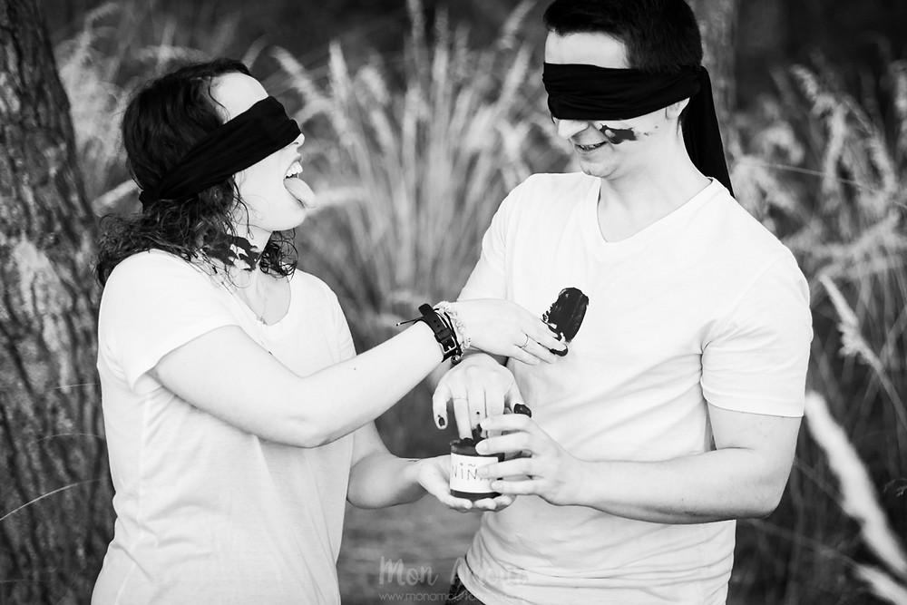 Gender Reveal, descubriendo si el bebé es niño o niña, fotografía natural de familias en Barcelona - Mon Amour Wedding Photography by Mònica Vidal