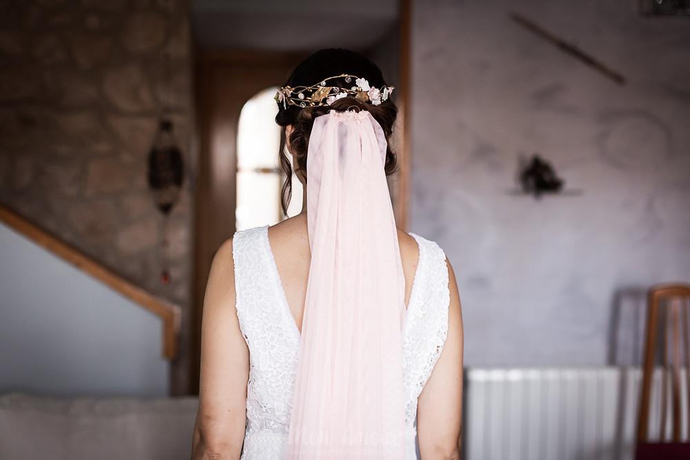 Boda marinera en la playa en Btakora, Arenys de Mar, maquillaje de Alba Manubens, flores de Trencadissa art floral, fotografía natural de boda en Barcelona - Mon Amour Wedding Photography by Mònica Vidal