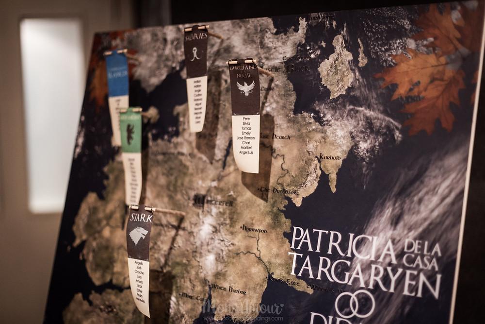 Boda de invierno por la noche, vestido de novia de Mireia Balaguer, corona de Marucca, maquillaje y peluquería de Anna Segura, decoración e iluminación de Leloup Barcelona, fotografía natural de bodas en Barcelona - Mon Amour Wedding Photography by Mònica Vidal