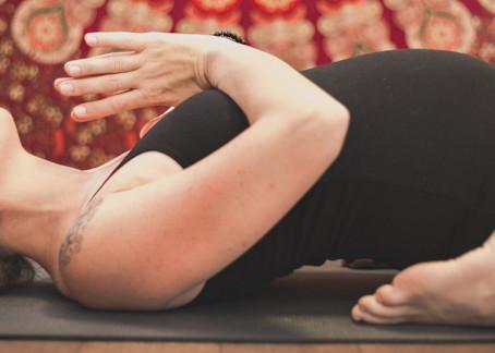 Barrigotas en Dinamarca II, haciendo yoga premamá