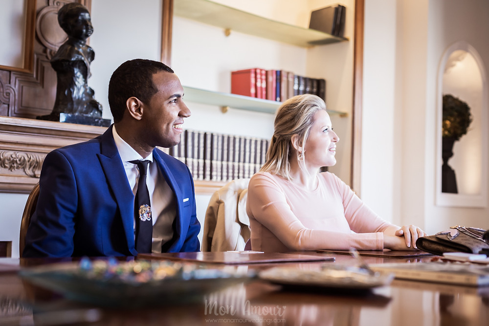 Boda civil por el notario en el centor de Barcelona, fotografía natural de bodas en Barcelona - Mon Amour Wedding Photography by Mònica Vidal