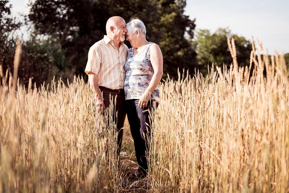 Reportaje de aniversario de 40 años de casados, fotografía natural de bodas en Barcelona, Mon Amour Wedding Photography by Mònica Vidal
