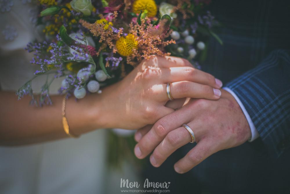 Alianzas y ramo de novia - Fotografía de bodas en Barcelona - Mon Amour wedding photography