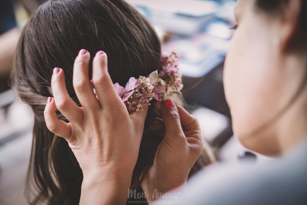 Boda de verano en Vinyes Grosses, tocado de Mireia Abras  - Fotografía de bodas natural en Barcelona - Mon Amour Wedding Photography