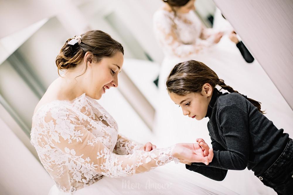 Bride's Look, reportaje prueba de vestido de novia en Rosa Clarà, fotografía natural de bodas en Barcelona, Mon Amour Wedding Photography by Mònica Vidal