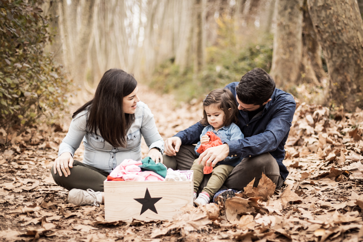 Gender Reveal, sesión para descubrir si es niño o niña, fotografía natural de familias en Barcelona - Mon Amour Family Photography by Mònica Vidal