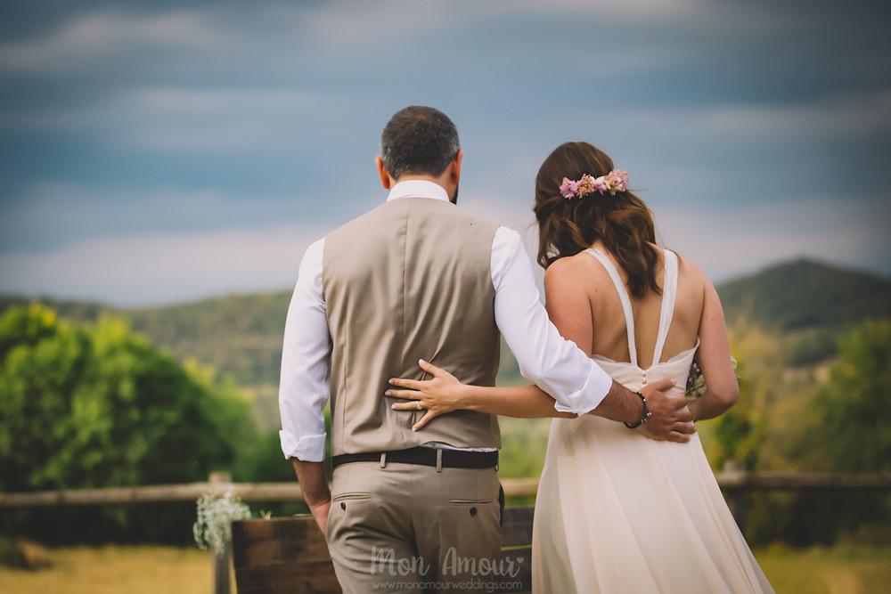 Boda de verano en Vinyes Grosses, ceremonia al aire libre al atardecer  - Fotografía de bodas natural en Barcelona - Mon Amour Wedding Photography