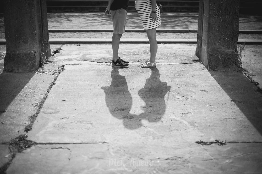 Reportaje embarazo urbano, Fotografía natural de familias en Barcelona, Mon Amour Family Photography