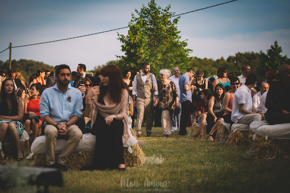 Boda de verano en Vinyes Grosses, traje de novio por Señor  - Fotografía de bodas natural en Barcelona - Mon Amour Wedding Photography