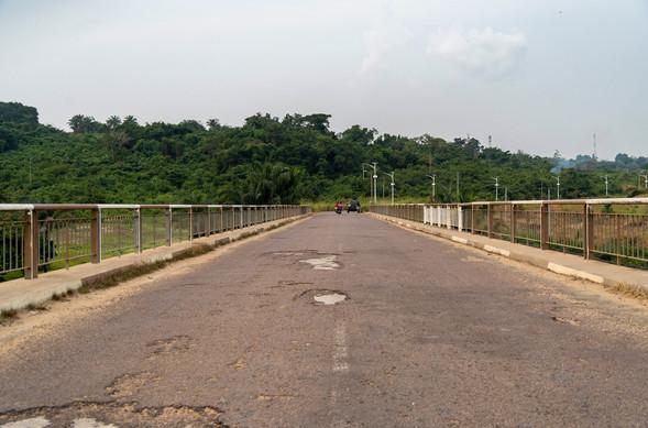 Pont sur la Nkéni