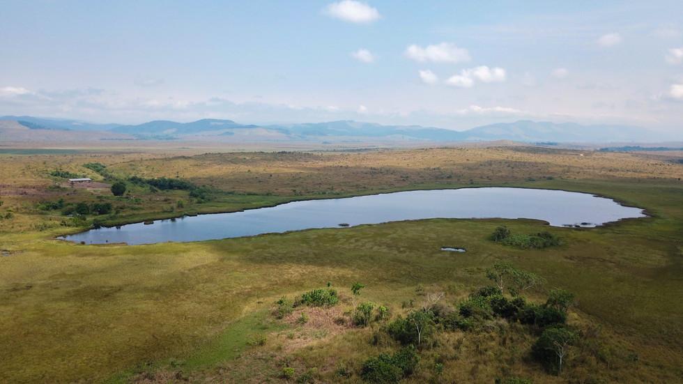 Vue aérienne du lac bleu