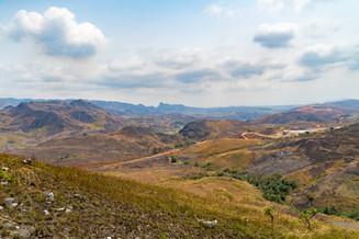 Sur les hauteurs de Mfouati, en direction des chutes