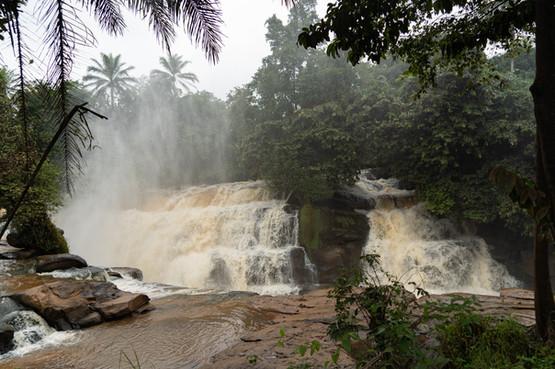 Vue panoramique des chutes principales