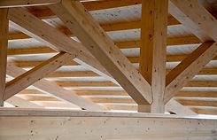 Capriate tetto legno.jpg