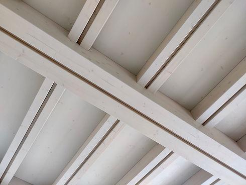 Correntini e portanti legno tetto.jpg