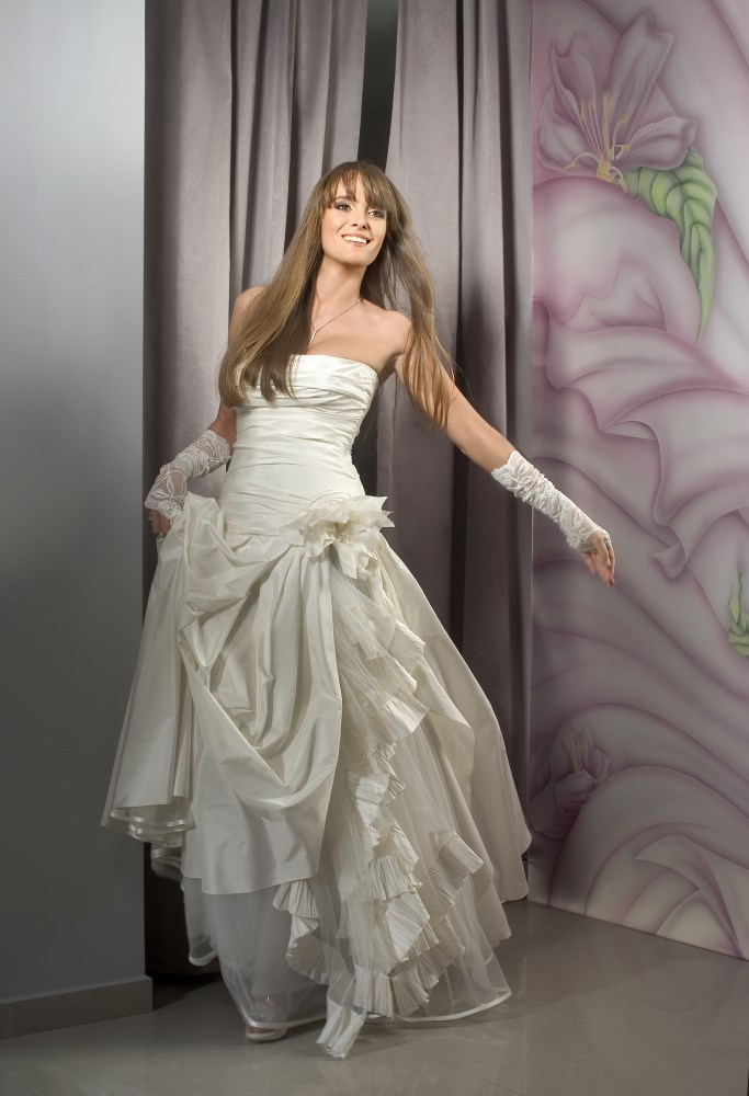 Valentina wedding dress Lotus corset armani silk layers -ולנטינה שמלת כלה לוטוס