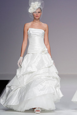 valentina_wedding_gowns_Cymbeline_2.jpg