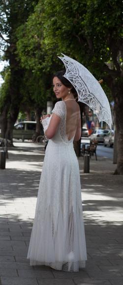 שמלות כלה ולנטינה תחרה וינטאג' פסיפלורה wedding dress valentina vintage lace bac