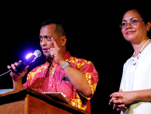 Sen. Frank Aguon and Alicia Limtiaco