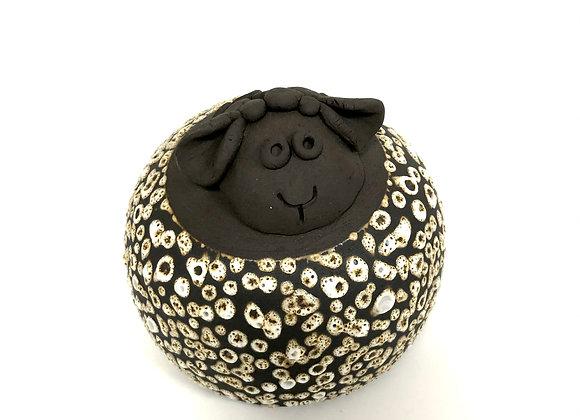 mouton en grès noir
