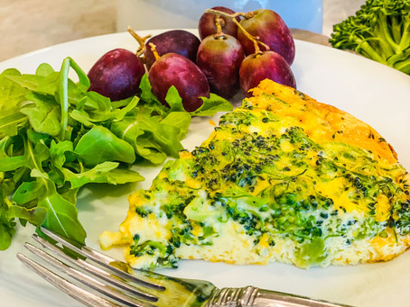 Easy and Delicious Crustless Broccoli Cheddar Quiche
