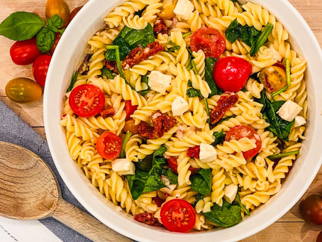 Italian Pasta Salad with Spinach and Sun-dried Tomatoes