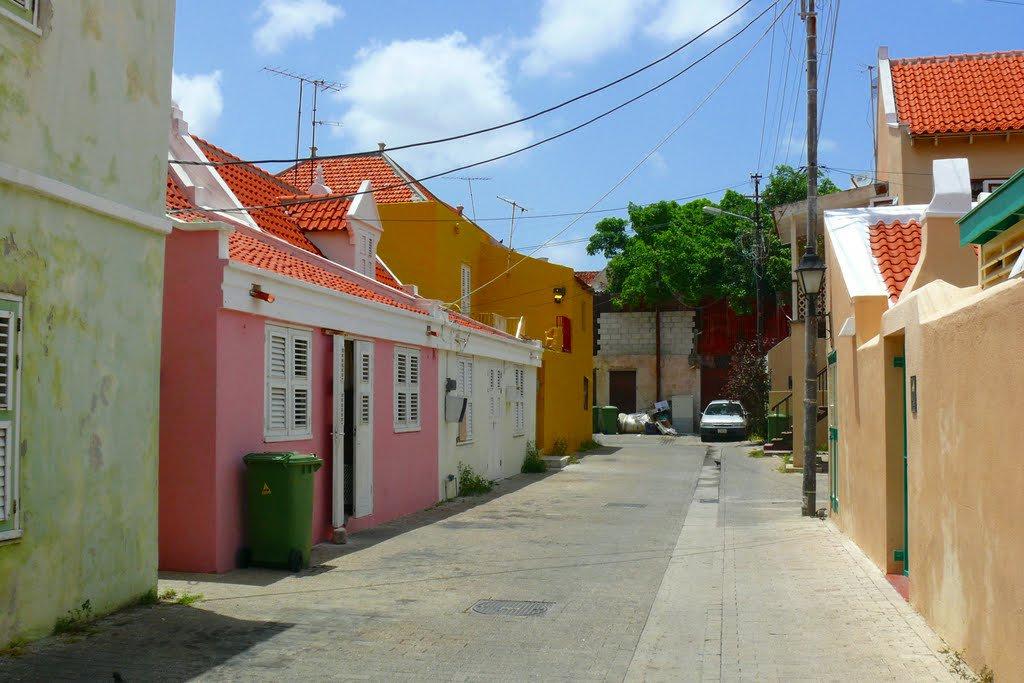 Sanchi Alleys, Otrobanda