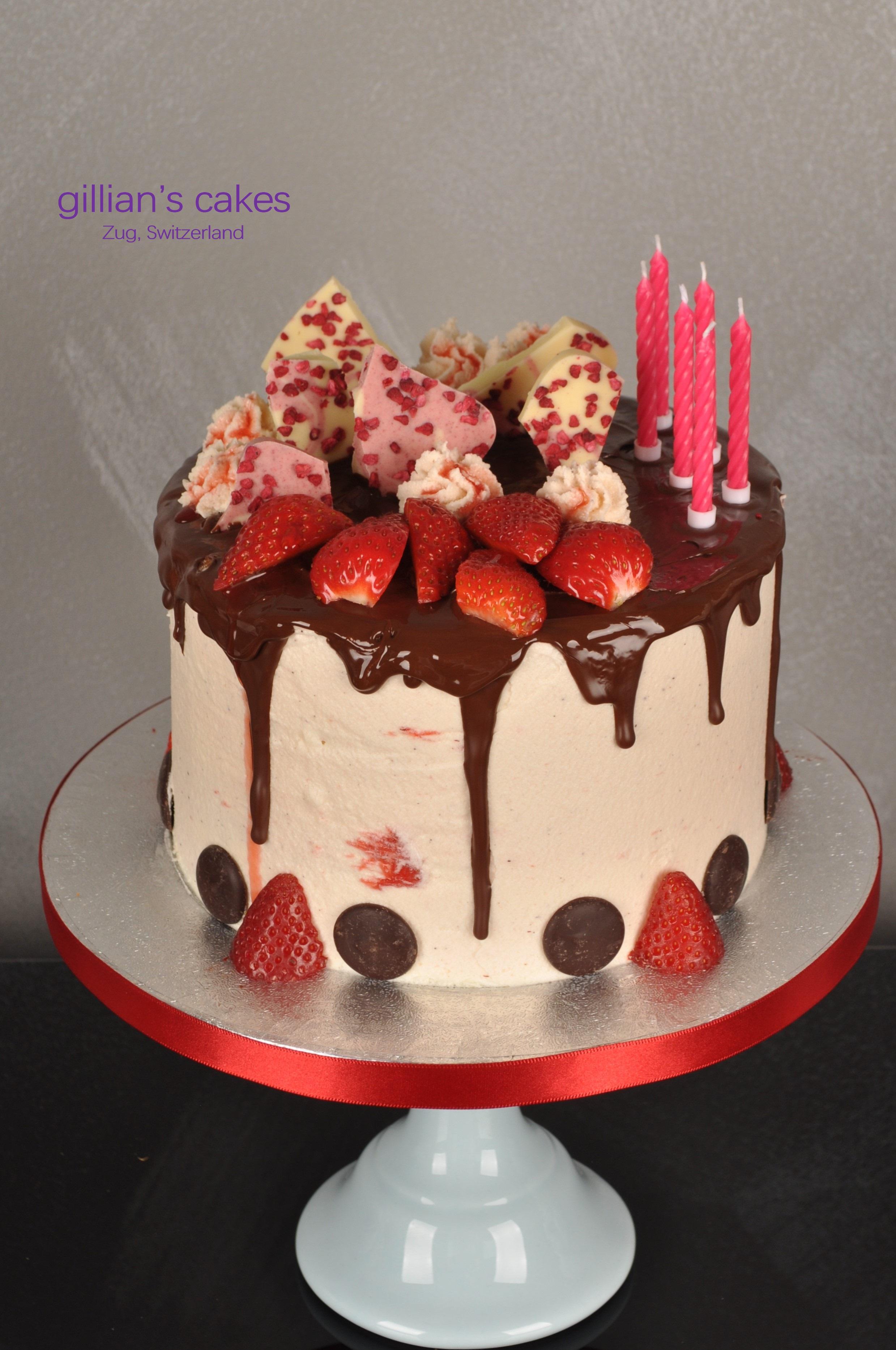 Stawberry And Chocolate Birthday Cake