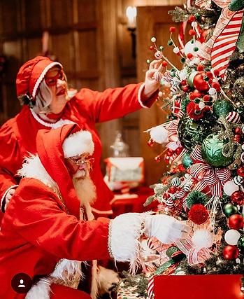 Santa and Mrs 2018 1 (2).png