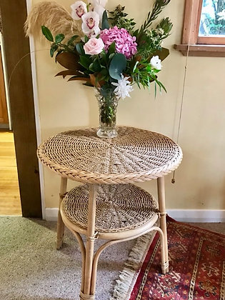 Round Seagrass Table