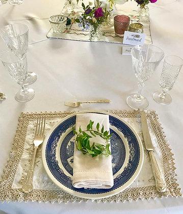 Blue Willow Dinner Plates