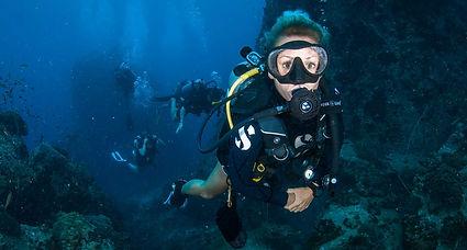 koh-tao-dive-sail-rock.jpg
